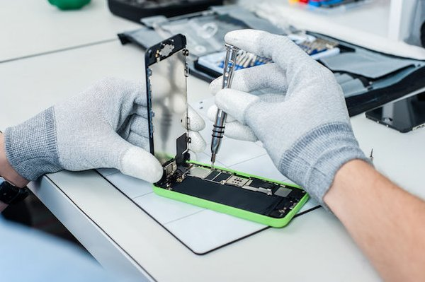 iphone-repair-business.jpg